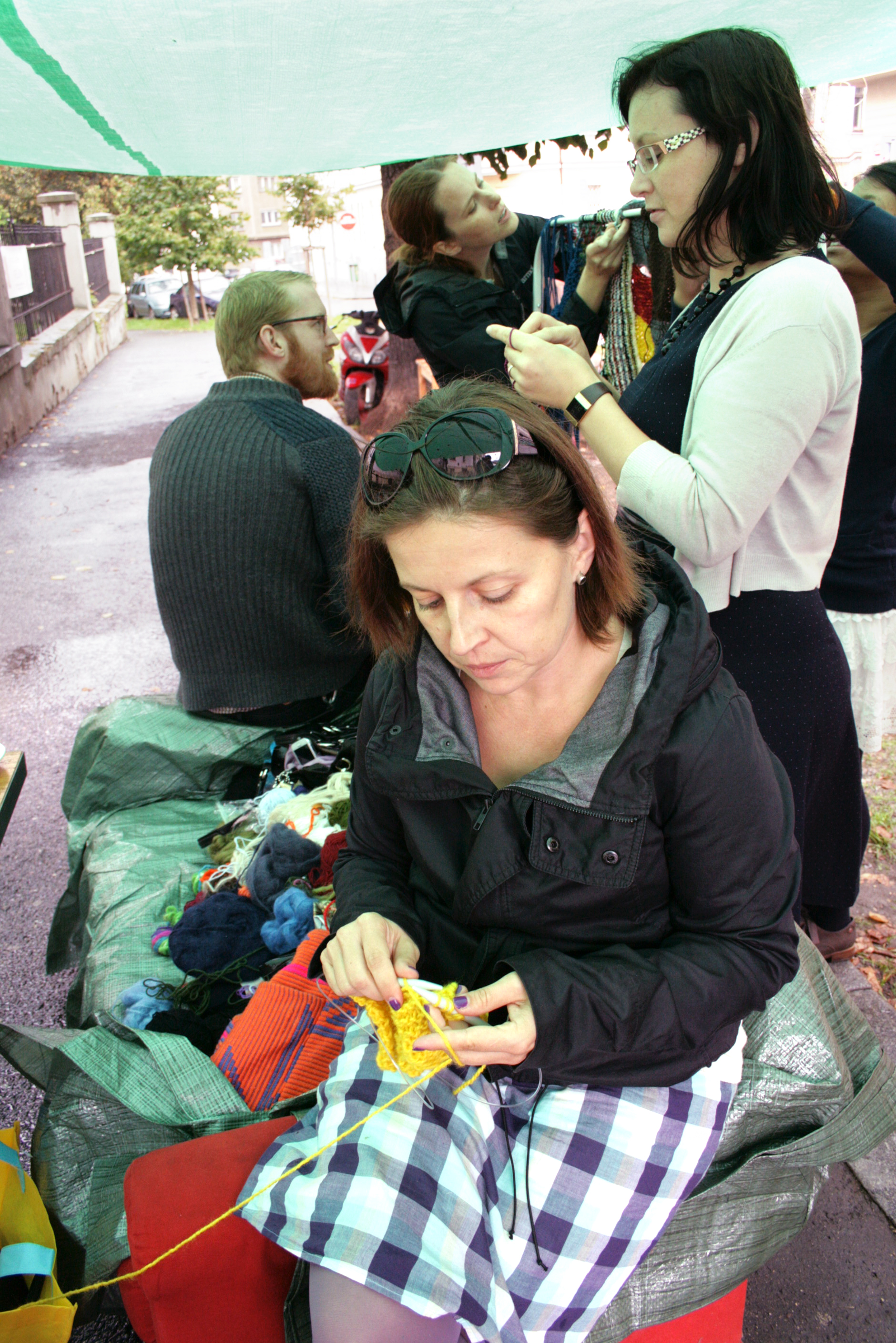 knitting at ZMJ14 2